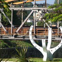 Relógio solar e ponte de ferro ao fundo, Дивинополис