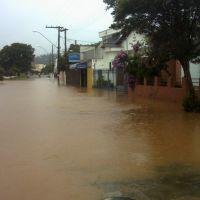 Quase enchente!, Итажуба