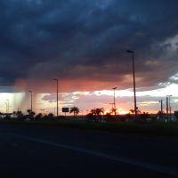 Foco de Chuva com Por-do-Sol ☺, Покос-де-Кальдас