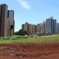 O bairro em expansão, os prédios que avançam na área rural - Londrina - PR - Brazil, Лондрина