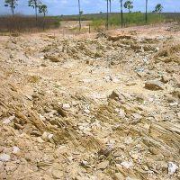 Afloramentos no sítio Mineiro da Barra_Santana do Matos/RN, Кайку
