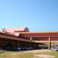 Estacionamento no terminal rodoviário - Pelotas - RS - 03/2009, Пелотас
