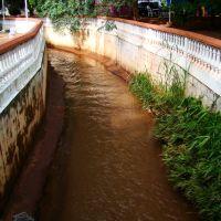 Córrego da Figueira - trecho da Praça Ettore Suriano, Жау