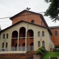 Catedral Nossa Senhora Aparecida no Bairro de Higienópolis em Catanduva, Катандува