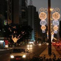 Brasil, São Paulo - Luzes de Natal na Av. Paulista, Пиракикаба