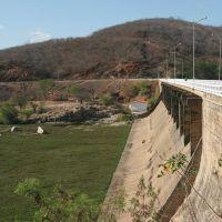 Lado seco da barragem na estrada pra Quixeramobim, Крато