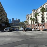 """""""Cruzando la avenida"""", Лос-Анджелес"""