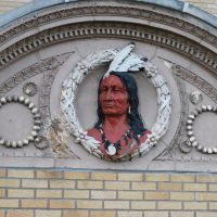 Indian Chief Sign Outside Des Moines County Courthouse, Барлингтон