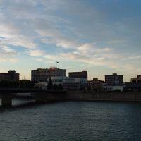 East Bank of Cedar River at Waterloo, Iowa, Ватерлоо