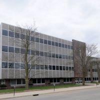 Black Hawk Co. Courthouse (1964) Waterloo, Iowa 4-2011, Ватерлоо