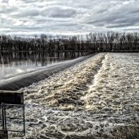 High Water At The Cedar River Roller Dam - Cedar Rapids, Iowa, Гилбертвилл