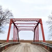Look Across Red Bridge Road Through Truss Bridge, Гилбертвилл
