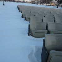 Snow covered seats and skybridge, Давенпорт
