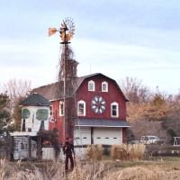 Farmer Statue, Old Barn & Silo - Cedar Rapids, Iowa, Денвер