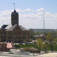 Johnson County Courthouse from parking garage, Кеокук