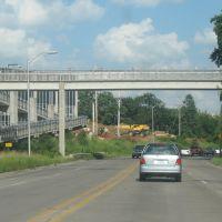 Pedestrian bridge on 6, Крескент