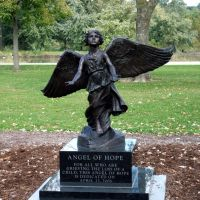 Angel of Hope, Iowa City, City Park, Крескент
