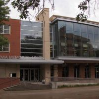 Iowa Memorial Union, GLCT, Осадж