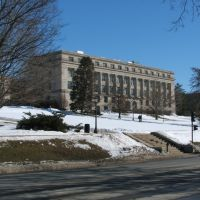 MacLean Building (on the Pentacrest) in Winter 2008, Iowa City, IA, Осадж