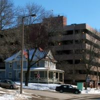 Womens Resource and Action Center (Next to parking ramp) in Winter 2008, Iowa City, IA, Осадж