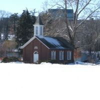 Danforth Chapel, Iowa City, IA in Winter 2008, Ред-Оак