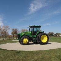 Tractor Display, John Deere Assembly Plant, Waterloo, Iowa, Реймонд