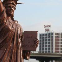 Statue of Liberty, Quaker Oats in Cedar Rapids, Седар-Рапидс