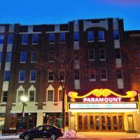 Historic Paramount Theater At Night, Седар-Рапидс