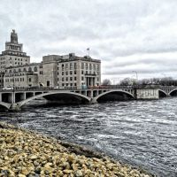 Historic 1st Avenue Bridge Over Cedar River (Opposite Side), Седар-Рапидс
