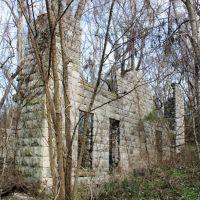 Smithsonia Mansion Ruins - Built 1889; Burned 1972, Бриллиант
