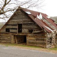 Old Barn In Kennamer Cove, Вудвилл
