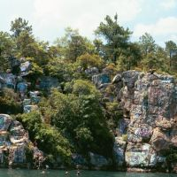 Acapulco Rock, Lake Martin, near Cherokee Bluffs ALA (8-4-2006), Голдвилл