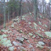 Rocky ridgeline of Double Oak Mountain, Карбон Хилл