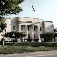 Lawrence County Courthouse - Built 1936 - Moulton, AL, Карбон Хилл