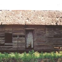abandoned weathered antebellum double-pen cracker house, Grand Ridge Fla (5-2004), Коттонвуд