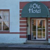 The Ole Hotel, Луверн