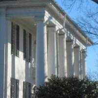 Ionic Columns at the University Club, Нортпорт