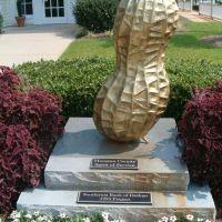Peanut Monument - Dothan, Alabama, Ньювилл