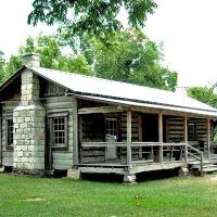 Mathews Log Cabin at the Clarke County Museum in Grove Hill, AL, Плисант Гров