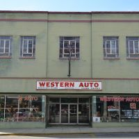 Western Auto, Сакс