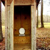 Outhouse, Седар-Блуфф
