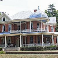 A Queen Anne Home - Built 1903., Селмонт