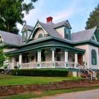 Victorian Home in Talladega, Alabama, July 2012, Талладега