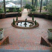 Fountain at Birmingham Botanical Gardens, Хомевуд