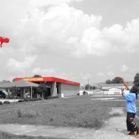 Kite Flying at Lees Express Wash, Хунтсвилл