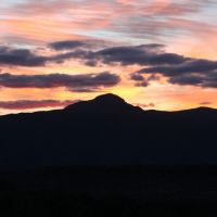 Sunset over mountains near Camp Verde, Аджо