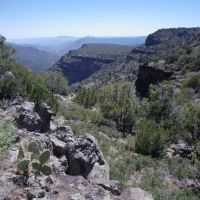 Upper Deadman Mesa view south toward Lower Deadman Mesa and the Verde River, Глоб