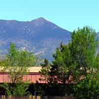 Mt Humphery from Greyhound Bus Station, Flagstaff, AZ. (June05, 2008), Флагстафф