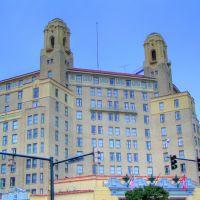 Arlington Hotel, Блевинс