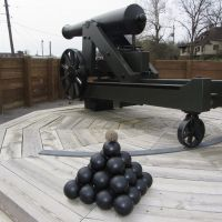 Willy Womabt doing his cannonball impression at Fort Curtis, Helana, AR., Вест Хелена